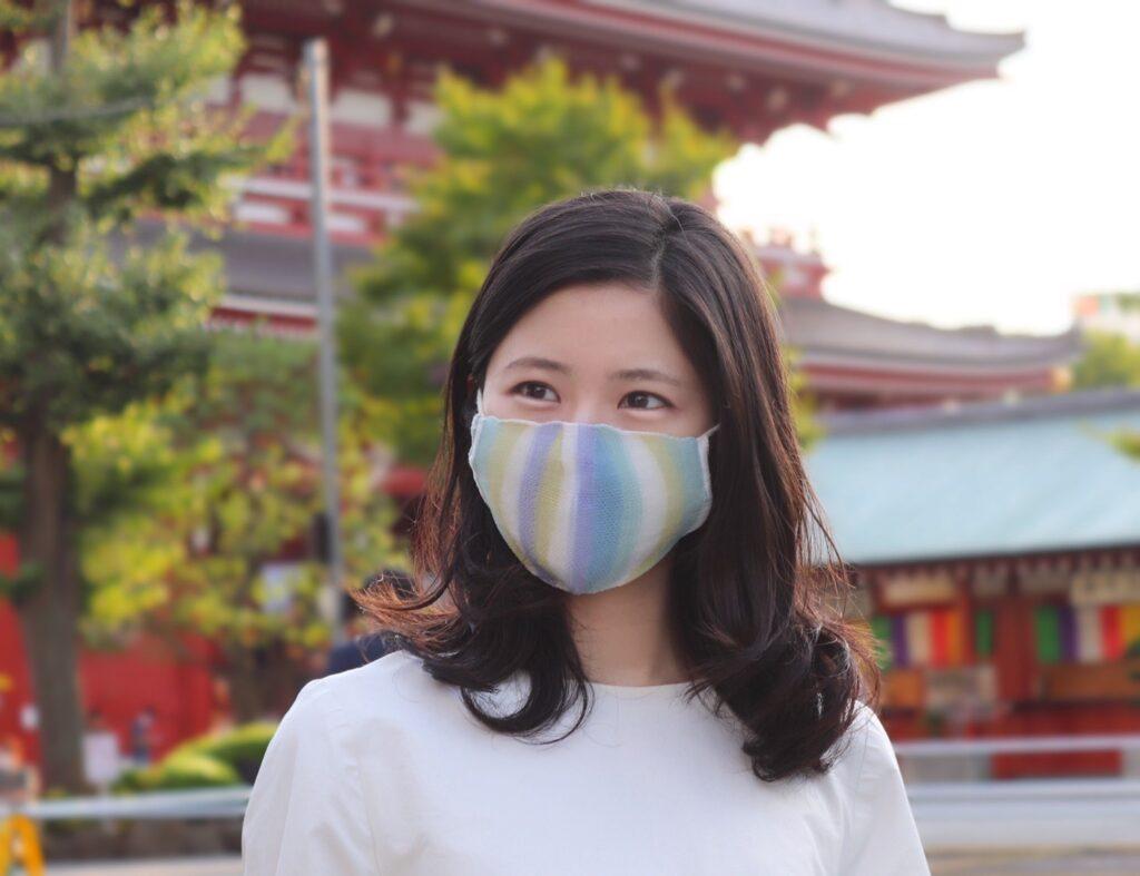 カラフルでオシャレなマスク ひんやり涼しくて耳が痛くなりにくいマスク